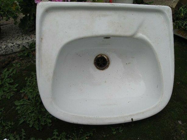 Umywalka biała