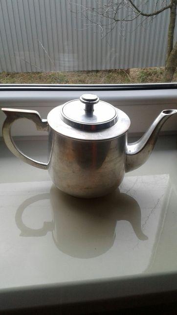 чайник з міді і латуні.