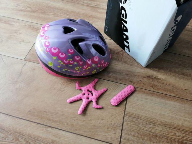 Regulowany kask rowerowy GIANT