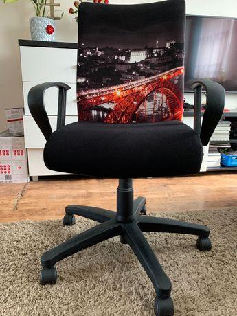 Fotel biurowy obrotowy/lampka