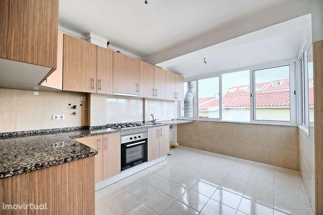 Apartamento T2 para arrendamento São Domingos Rana