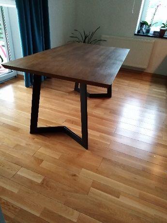 Stół loft, nowoczesny styl