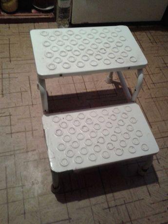 ступеньки в  ванную для инвалидов и пожилых