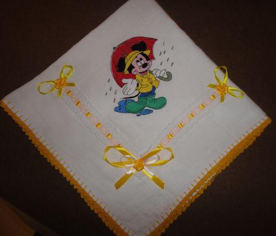 "Fralda Bordada ""Mickey Mouse""."