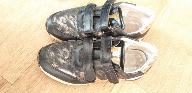 Кроссовки, туфли осень