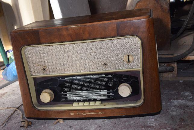 Radio Diora!