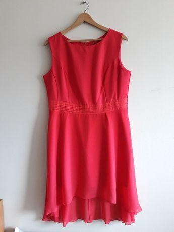 Czerwonomalinowa sukienka z dłuższym tyłem