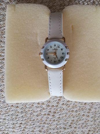 Zegarek bialy nowy