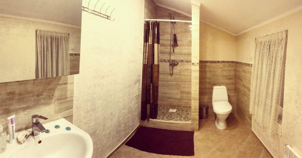 Свободна! Комната двухместная посуточно под ключ на метро Осокорки-1