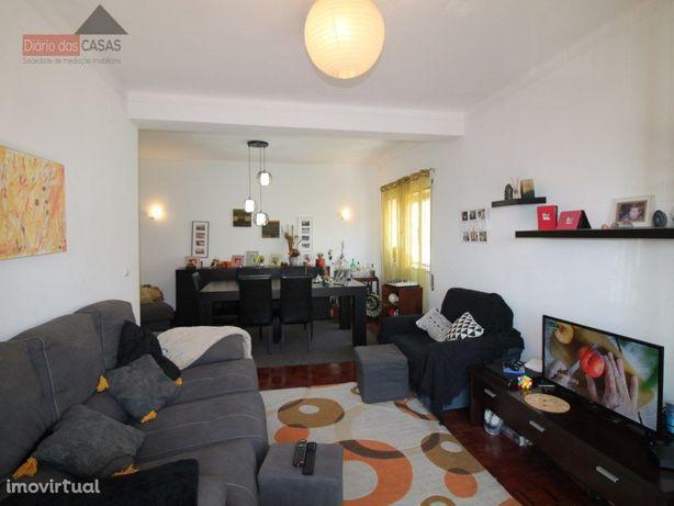 Apartamento T4 junto à Solum