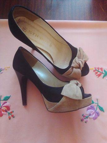Туфлі             .