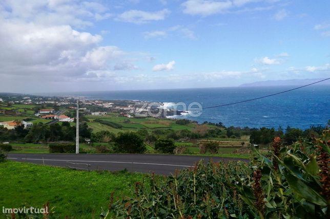 Terreno com vista fantástica para o mar e grande índice de construç...