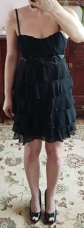 sukienka czarna z falbanami koktajlowa