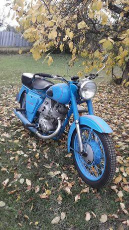 Продам мотоцикл ИЖ-59