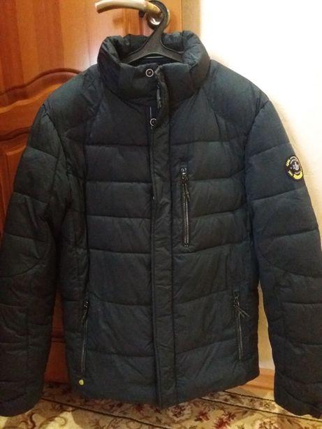 Продам мужскую зимнюю куртку.