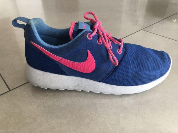 Buty sportowe Nike Roshe Run 37
