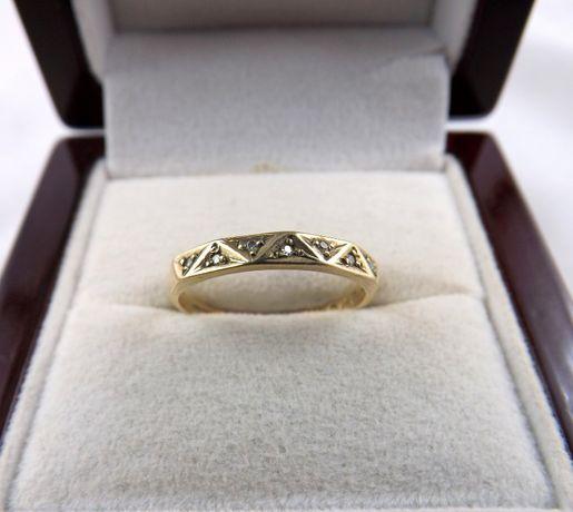 Piękny złoty pierścionek 585 1,31 Z DIAMENTAMI