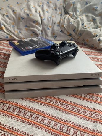 Playstation 4 PRO 1TB + Игры + Dualshock 4