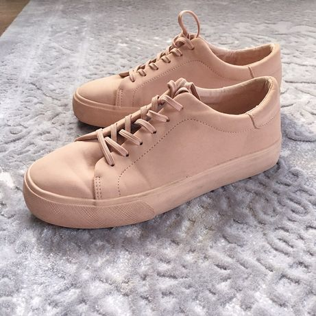 Кросівки жіночі Pull&Bear