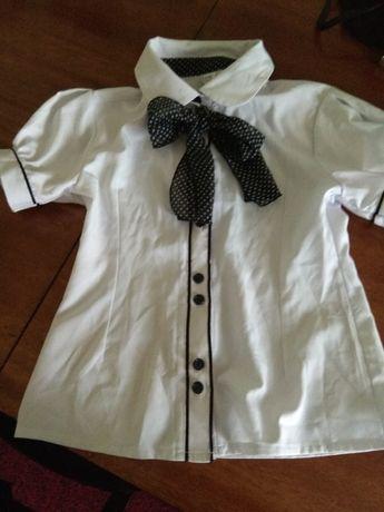 Шкільна блузка