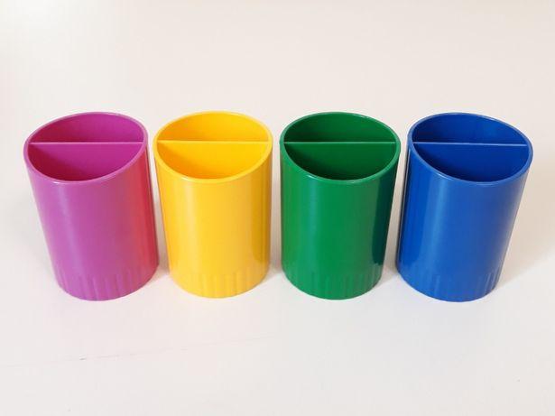 Набор стаканов, подставок для канцелярских принадлежностей, карандашей