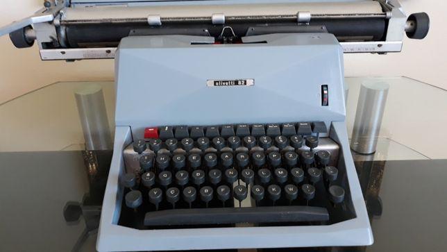 Máquina de escrever Olivetti 82