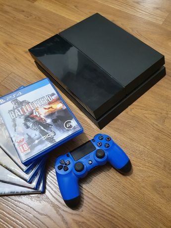 PlayStation 4 PS4 FAT 1TB + Pad + Gry