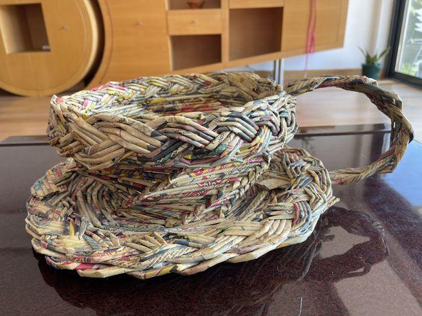 Cesto artesanal em formato de chavena