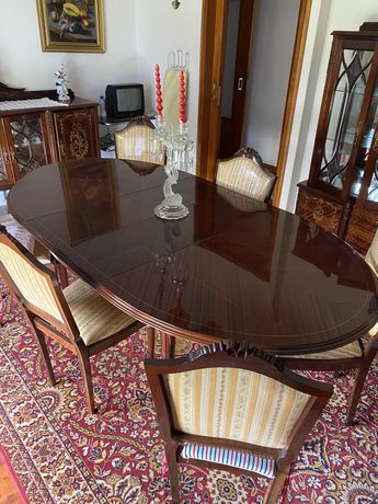 Mobilia de sala de jantar completa