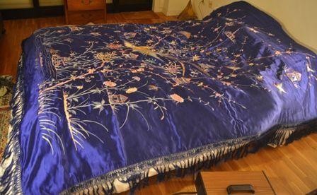 Colcha de Manila seda bordada a matiz em seda Nunca usada