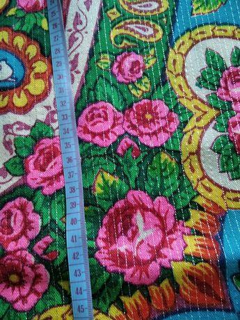 Продам  большой платок размер 150*150.