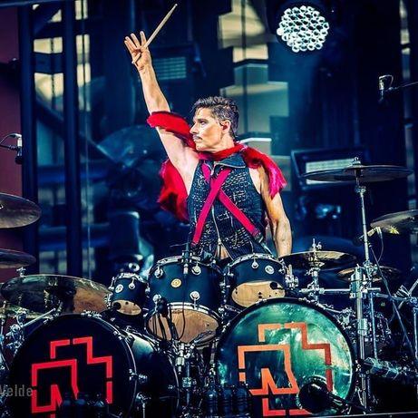 Нужен барабанщик в действующую группу.
