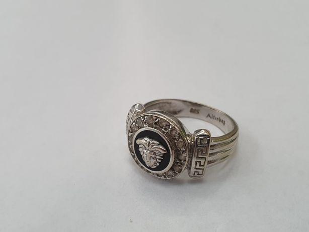 Piękny złoty pierścionek damski/ Motyw Versace/ 585/ 5.8 gram/ R13