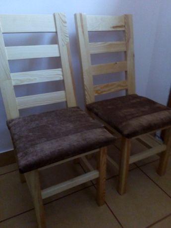 Solidne sosnowe krzesła własnej roboty