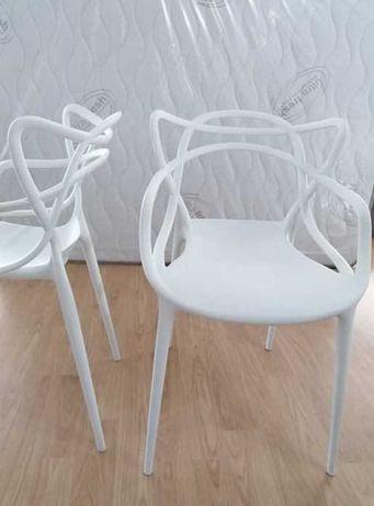 Cadeira SOFIA em polipropileno
