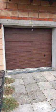 Brama segmentowa wiśniowski