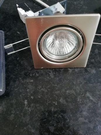 Projectores de teto com lampadas