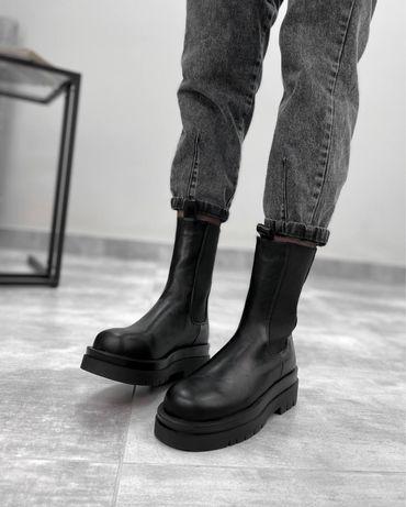 Женские высокие  ботинки челси