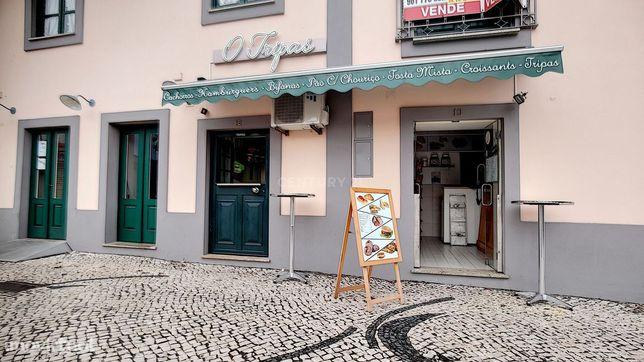 Espaço comercial para trespasse, no centro da cidade de Aveiro