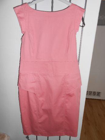 Różowa elegancka sukienka top secret