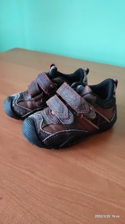 Кросівки Geox дитячі розмір 22