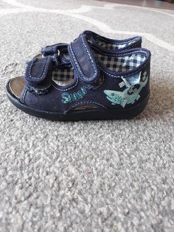 Buciki łapcie kapcie RenBut sandały sandałkwkładka skórzana rozmiar 22