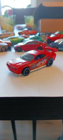 Hot Wheels Dodge Challenger Drift Car