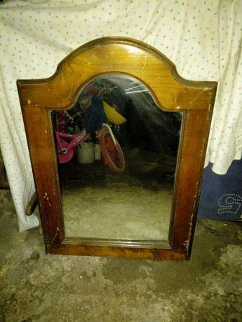 Espelho de parede antigo