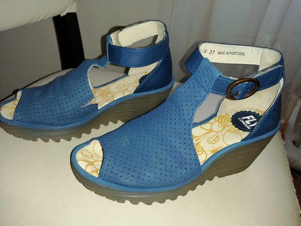 Sandálias novas azuis da Fly London tamanho 37