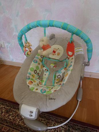 Кресло качалка Disney Baby Winnie The Pooh Bouncer Dots and Hunny Pots