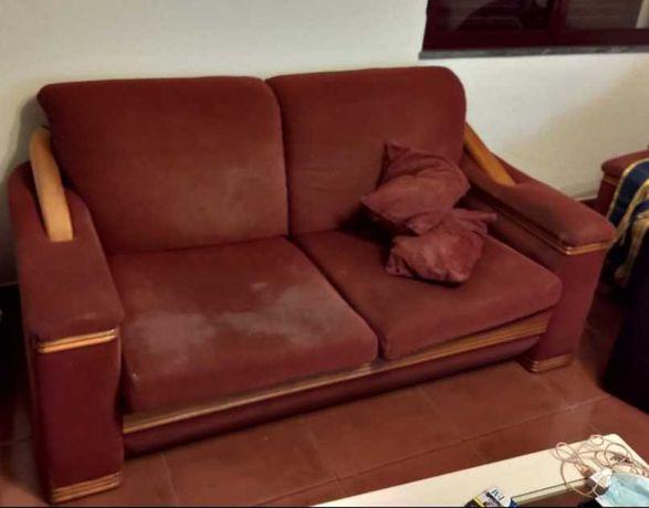 Sofá cama e 2 poltronas