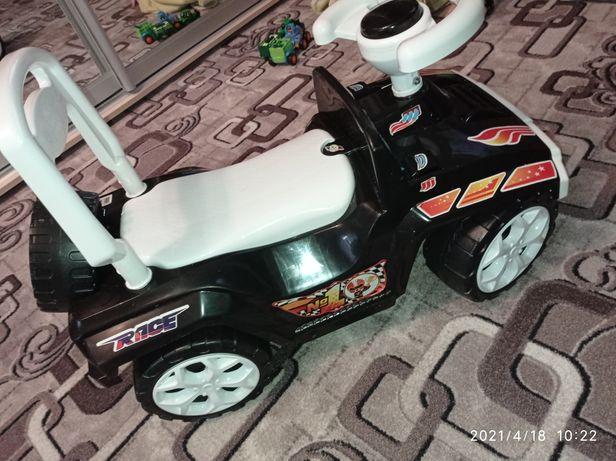 Продам детскую машинку