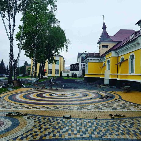Укладка- Бруківка -Тротуарна плитка-круги колодязні