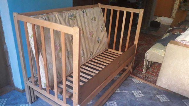 ліжко дитяче з матрасом